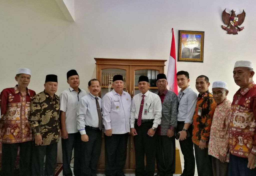 Foto Bersama Bupati, Kakan Kemenag dan undangan usai upacara
