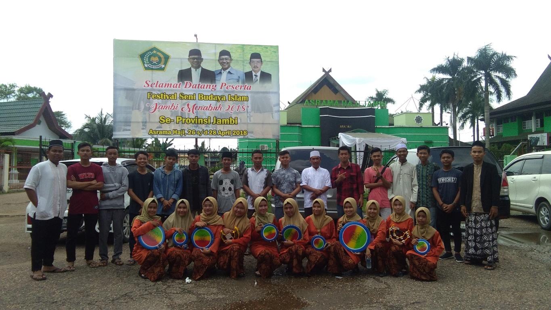 Tim Qosidah Klasik Usai Tampil Di Festival Seni Budaya Islam